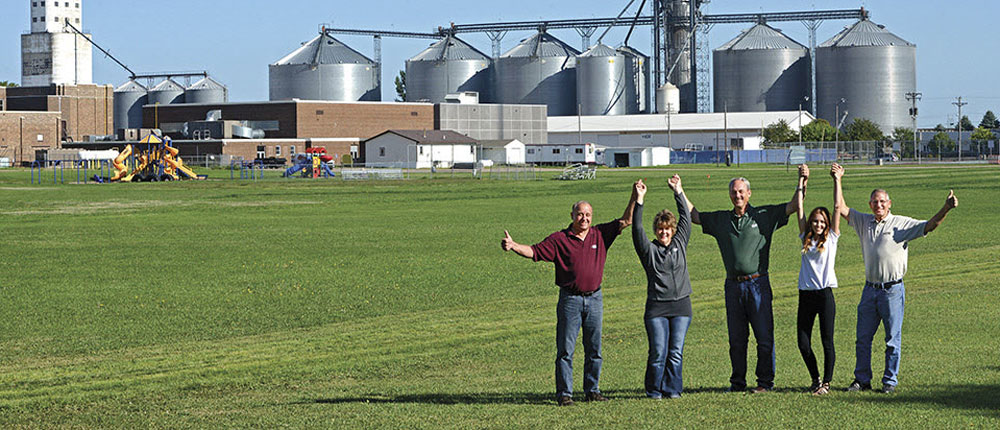 Together-We-Are-Better_C-Mag_1000x430 , people , CHS Employee , group , team , field , bin , storage , elevator , agriculture