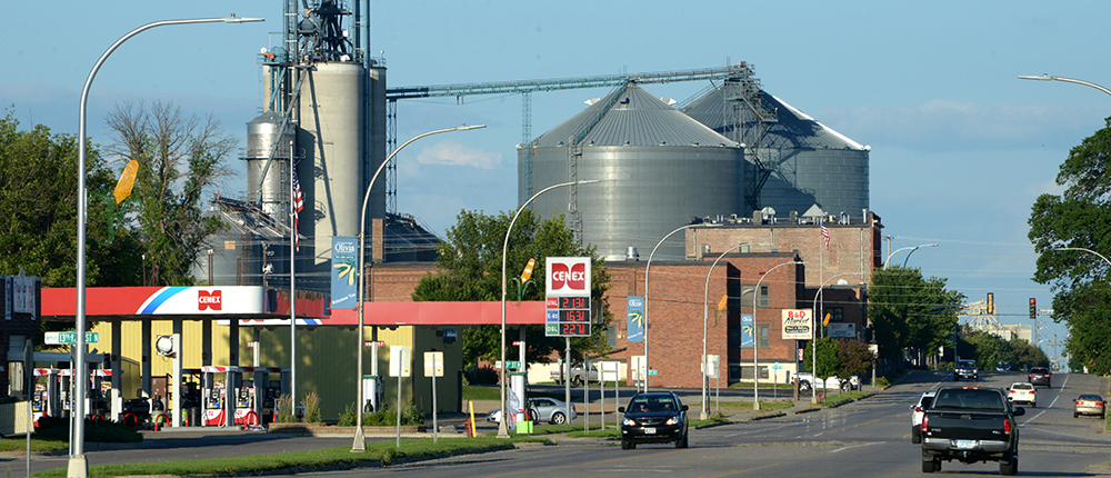 Community Investment, grain elevators, Strengthening Hometown Communities, Fueling Community, Cenex, gas station, street, road, hometown, stewardship, 1000x430, rural cenex